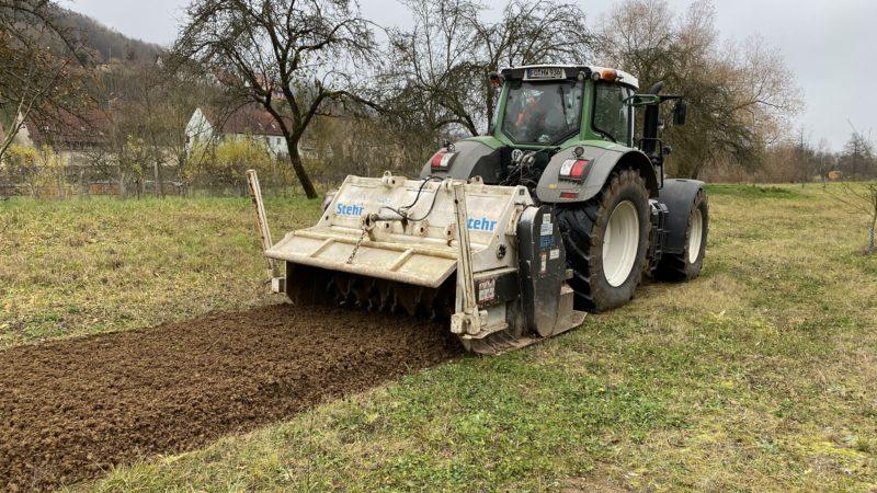Fendt 936 mit Stehr Bodenstabilisierungsfräse SBF 24-2